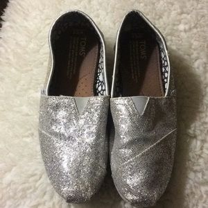 TOMS Metallic Silver Flats Loafers Shoes
